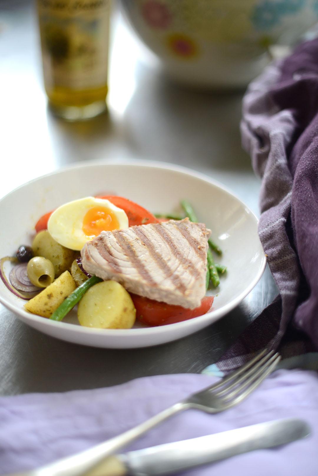 warm tuna nicoise salad recipe with Ruby & Kind photographed by Sara Delaney