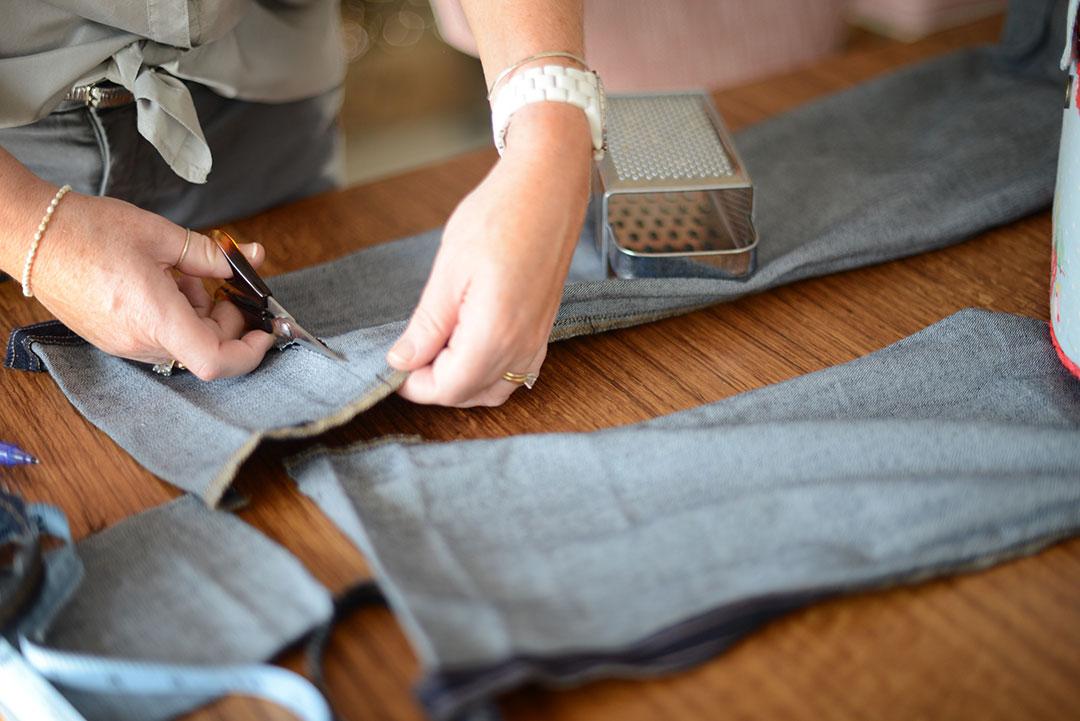 diy raw denim hem by sara delaney for notes from a stylist blog
