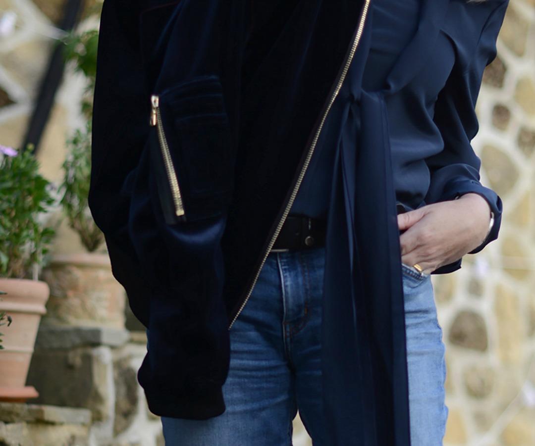 sandro velvet bomber jacket worn by fashion stylist and blogger sara delaney