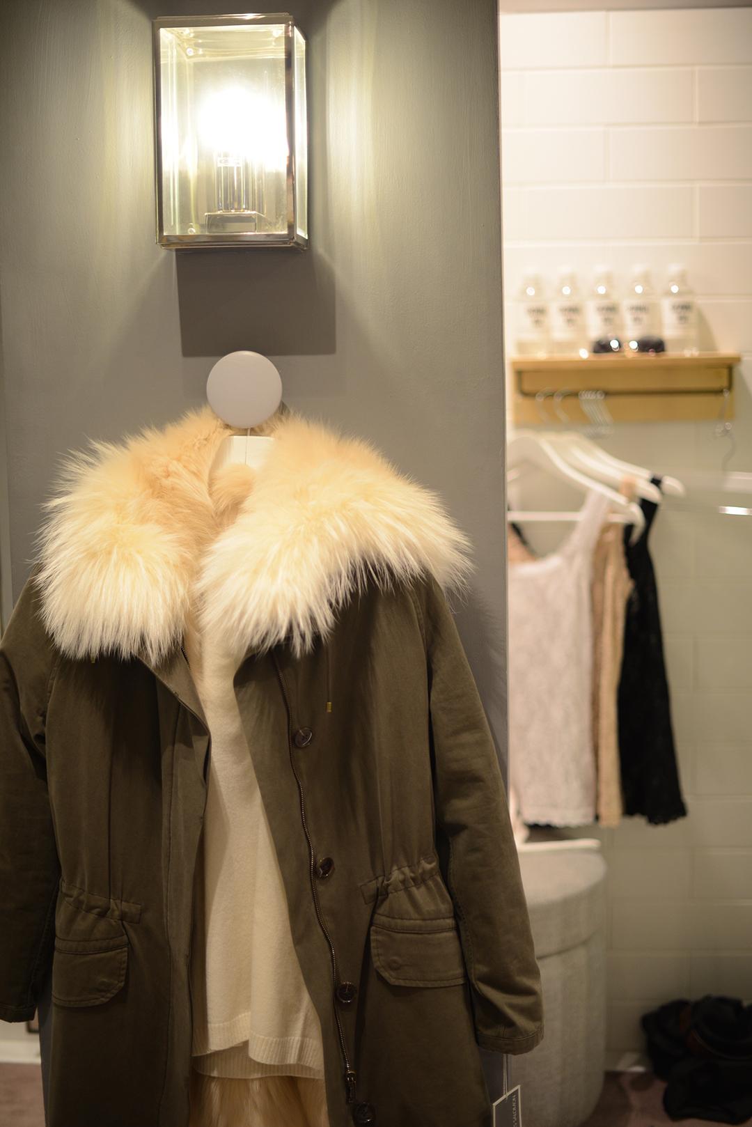 donna ida denim store photographed by fashion blogger and stylist sara delaney