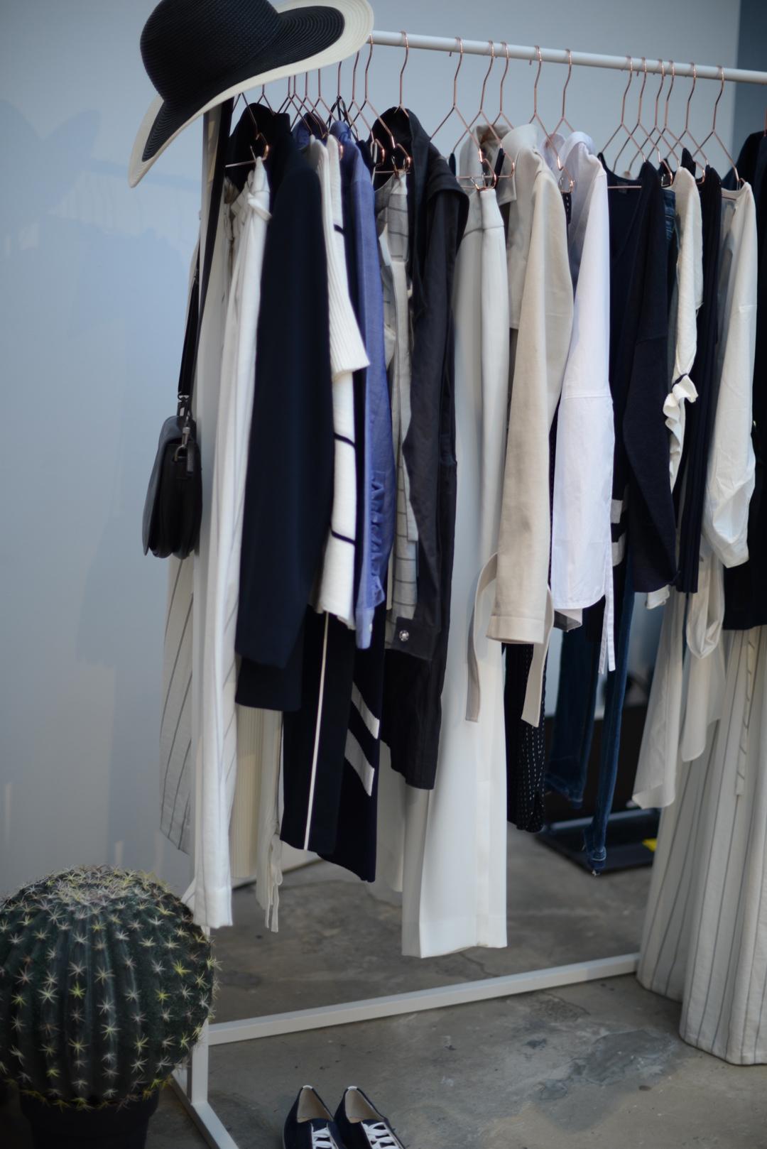 5 closet detox tips by stylist and fashion blogger sara delaney