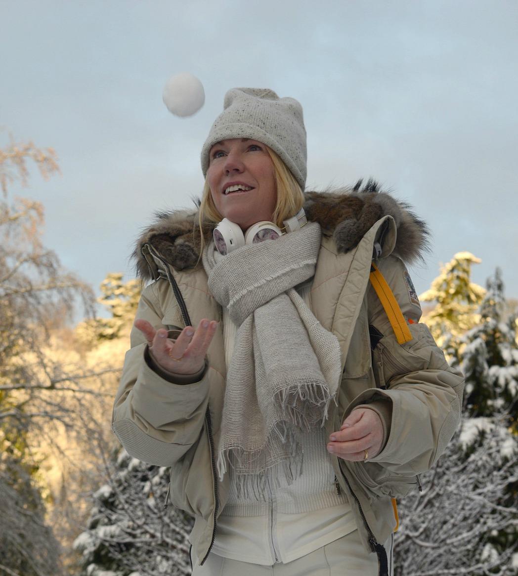 snow gear worn by stylist and fashion blogger sara delaney